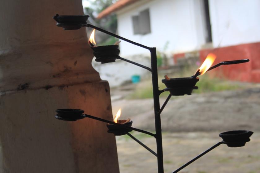 Oil lamps, Mulkirigala